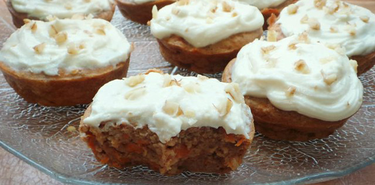 Protein Carrot Cupcakes (with Protein Cream Cheese Frosting!)