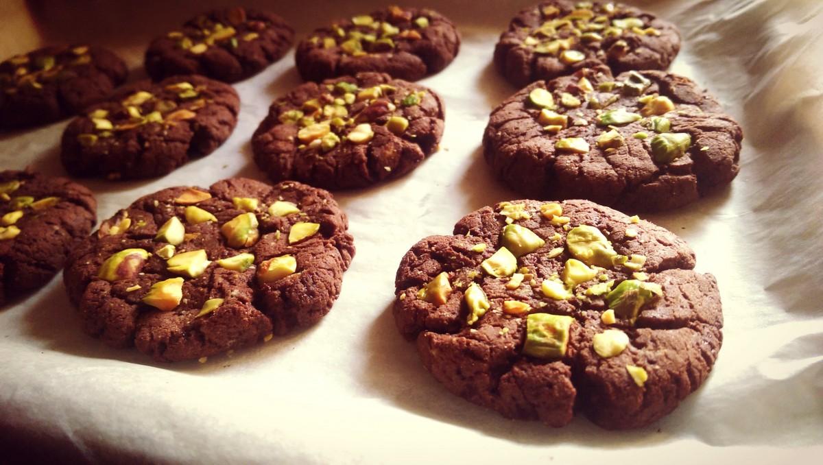 Chocolate & Pistachio Protein Cookies