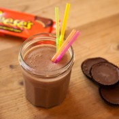 Reeses Peanut Butter Cup Protein Smoothie