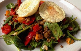 Hot n Fruity Spinach Lentil and Egg Salad